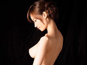 【林ゆな】Fカップ美人女将が即尺&ローション手コキとアナル舐めでおもてなし。