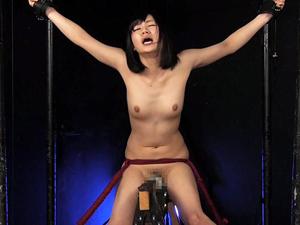 【伊織涼子】三角木馬拘束電マ強制アクメ&くすぐり責めで発狂寸前!!