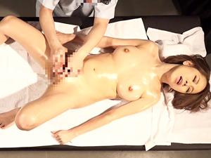 【北川エリカ】初めて体験した性感マッサージが気持ちよすぎてイキまくってしまう巨乳美女