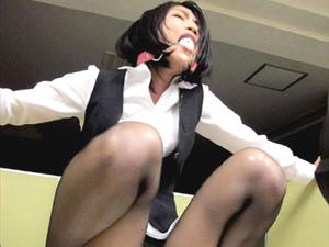 【西園寺れお】マスクの下にボールギャグを咥え出勤して会社のトイレでフェラ抜き口内発射されるドMOL
