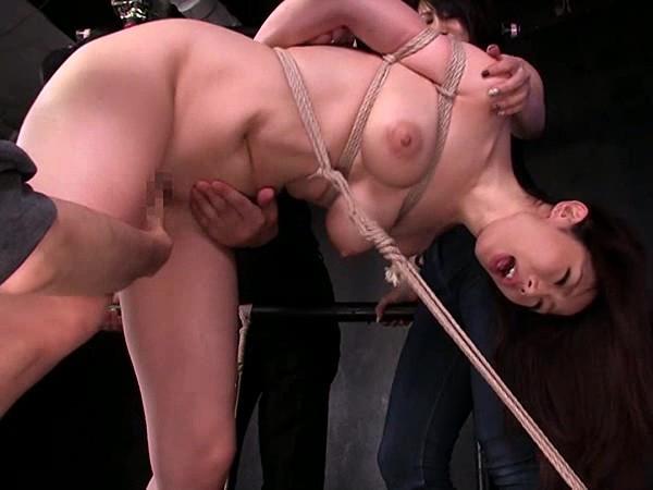 【篠田あゆみ】拘束されバイブを突っ込まれ何本もの電マでイカされ続け生チンポを挿入される巨乳妻