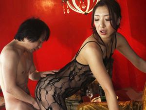 【高下えりか】177cm美脚痴女が圧倒的な慎重差のある小男との女性上位SEX