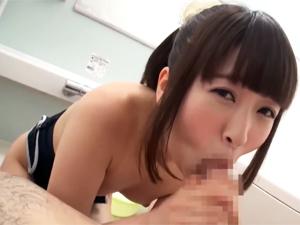 【裕木まゆ】スク水でチンポご奉仕する美少女がフェラで一生懸命吸い出したザーメンをマンコに押し込み変態オナニー