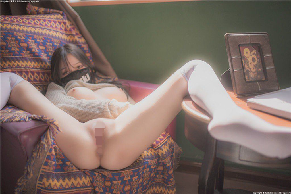 M字開脚 4