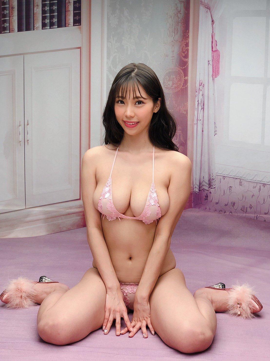 巨乳グラビアアイドル 58