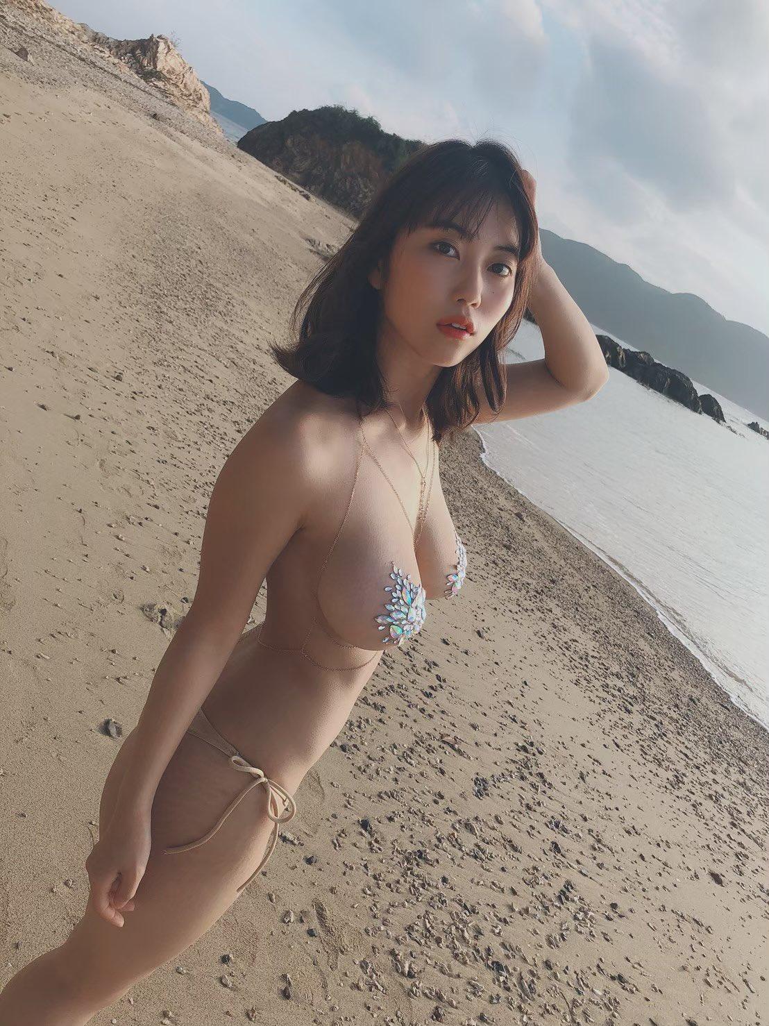 巨乳グラビアアイドル 4