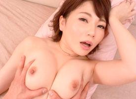 年上の旦那に束縛されて、我慢できなくなった美人妻(31)がAVデビュー!!