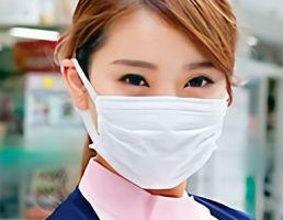 マスク着用で昼休憩をしている歯科助手の娘をナンパ!!