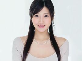 Fカップ美乳、感じやすいカラダだという美人妻(28)がAV出演! 男優との不倫セックスでメス顔晒す!!