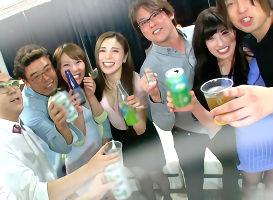 男に飢えているナースさんたちに酒を飲ませまくり泥酔させてチンポをハメる大乱交!
