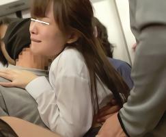 チカン師たちからの怒りを買ってしまった女子校生が複数人に囲まれてレ〇プされる・・・