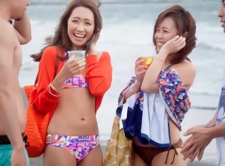 夏の浜辺で見つけたビキニギャルをナンパ! ノリと勢いでスケベなことしちゃう!!