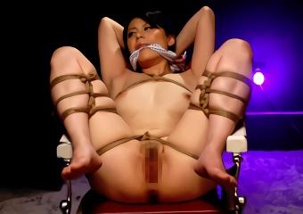 セックスレス気味の巨乳人妻を調教、縄で縛り上げて拘束する緊縛セックス!