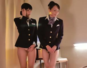 お客様に極上の「おもてなし」をする客室乗務員の美女たち、性接待もサービスの一環!