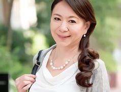 【白鳥美智子】九州出身の56歳の人妻(熟女)がAV出演!久しぶりのセックスと男優チンポで絶頂する不倫中出しセックス!