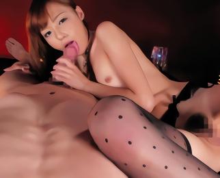アイドル顔の激カワスレンダー美少女がアナタを見つめながら淫語責め&フェラ手コキ抜き!