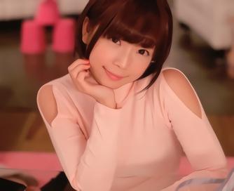 ショートカット激カワ美少女がおっぱいを強調するニットを着たままチンポをハメられる着衣セックス!