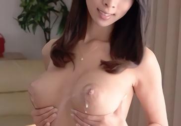 巨乳クビレボディの淫乱人妻が男優の激ピストンファックで絶頂しまくる3P中出しセックス!