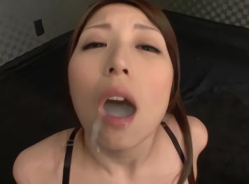 巨乳美女が特濃の精子を一滴残らず連続ごっくんする濃密セックス! !