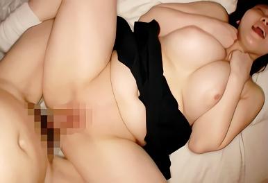 むちむち豊満爆乳の女子大生(JD)が興味本位でAV出演、パイパンマンコに生チンポぶち込まれる濃密セックス!!
