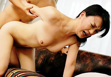★痴女★熟女が若い男性を誘惑する総集編エロ映像、熟したマンコに生チンポをぶち込む生中出しセックス!!