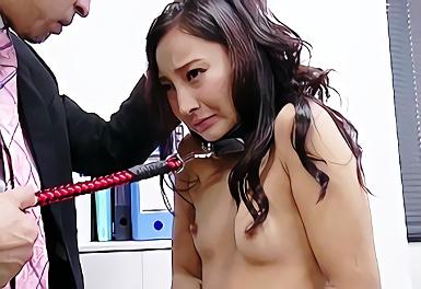 プライドの高い美人妻の弱みを握って脅迫する緊縛調教、喉奥まで肉棒をねじ込むイラマチオ!!
