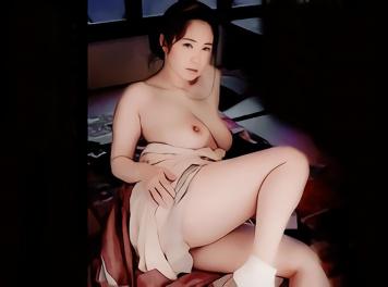 闇夜に紛れ、熟女を狙う男(夜這い)・・・獣のように絡み合い、快楽に酔いしれる濃密セックス!!
