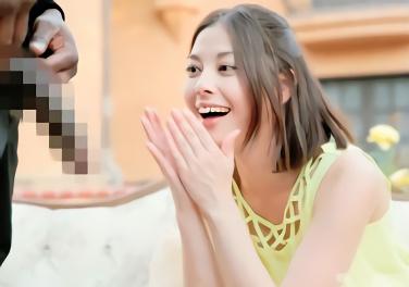 クールビューティーの綺麗なお姉さんが性的異文化交流、黒人デカチンをクチいっぱいに頰張るフェラ抜き!!