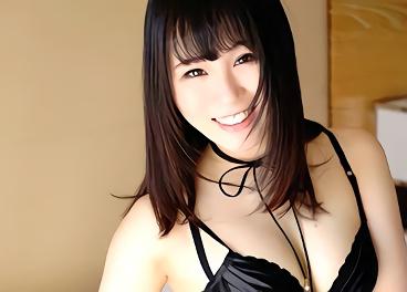 パイパンで美乳スレンダーの激カワ美少女とスイートルームの一室で濃密中出しセックス!!