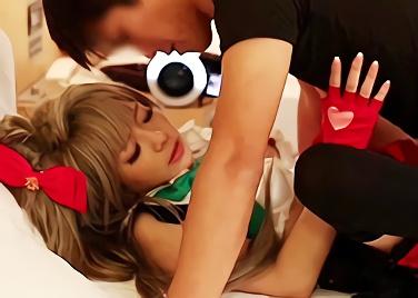 【麻里梨夏】激カワ美少女のコスプレイヤーとオフパコ!アニコス衣装でパコパコハメ撮りセックス!!