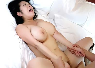★小向美奈子★覚醒剤のキメすぎで逮捕された豊満爆乳美女の膣奥を激ピストンで突きまくる中出しセックス!!