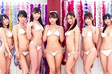 超絶カワイイ巨乳スレンダー美少女たち7人がファンの素人男性たちとスケベ交流、肉棒をハメまくりの大乱交!!