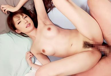 【天海つばさ】激カワ美乳スレンダーのお姉さんが嫁さんで裸族だったら?周りにいる男たちを誘惑しまくり!!