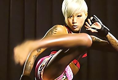 【企画】貧乳スレンダー格闘家のイキり黒ギャルがAV出演!男優の激ピストンファックでアンアン喘ぎまくりの濃密セックス!!