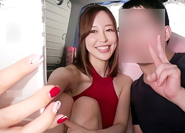 【篠田ゆう】激カワ巨乳でドスケベな巨尻をしているお姉さんが街角で素人男性を逆ナン、車内に連れ込んで手コキ抜き!