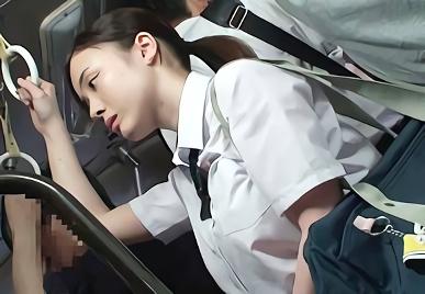 【吉川あいみ】Hカップ巨乳の超絶カワイイ美少女JKを狙う鬼畜男、抵抗できないバス車内で激ピストンレ○プ!!