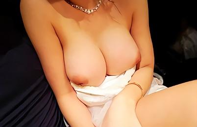 【素人】都内某所のキャバクラで働いている激カワ巨乳娘をナンパしてお持ち帰り!ラブホに連れ込んでパイパンマンコをガン突きする生中出しセックス!!