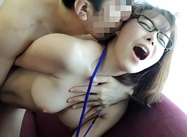 【素人・韓国・めがね】量産型コリアン巨乳美女たちを日本アイドルになれると偽ってナンパ!ホテルに連れ込んで過激セクハラの激ピストン濃密セックス!!