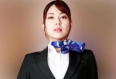 【卯水咲流】クールな顔立ちをしている高級コールガールのスレンダー美女が上級国民のチンポを蹴り上げるSMプレイ!