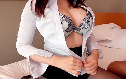 【痴女】激カワ巨乳の美人女医がホテルに訪問して自らの肉体で性奉仕治療、パイパンマンコに子種汁を流し込まれる濃厚中出しセックス!