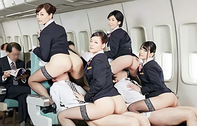 【企画・制服】客室乗務員の美人CAさんたちがスケベサービスをしてくれる航空エアライン、1本の肉棒を丁寧にご奉仕するハーレム3P!!
