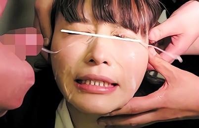 【閲覧注意】小柄で可愛らしい美少女JKに群がる鬼畜オヤジたち・・・身体中を舐め回され、顔に特濃精子をぶちまけられる連続ぶっかけ!!