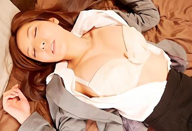【椎名ゆな】隣人の巨乳人妻さんが家出、うちの部屋に突然やってきた結果・・・朝から晩までチンポをハメまくる濃密不倫セックス!!
