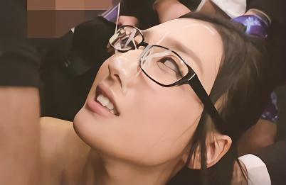 【古川いおり】清楚系の激カワお姉さんOLに襲いかかる変態男たち・・・エレベーター内で見知らぬ男たちにザーメンをぶちまけられる、連続大量ぶっかけ!!