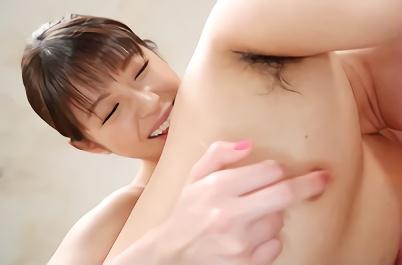 【あおいれな】貧乳スレンダーの激カワ美少女が男の乳首を常時触りながら膣奥をズボズボ犯される痴女的濃密セックス!!