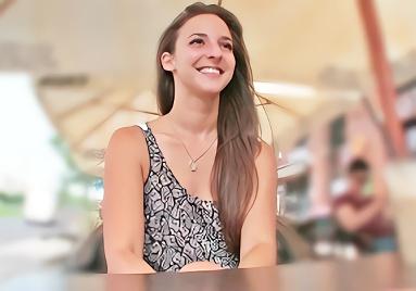 バルセロナで見つけた激カワ白人美少女をナンパ!モーテルに連れ込んでパイパンマンコに生チンポを挿入するハメ撮り中出しセックス!!