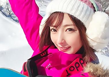 【阿部乃みく・VR】ショートカット美乳スレンダーの激カワお姉さんとスキー旅行!コテージの一室で愛し合う、主観イチャラブ中出しセックス!!