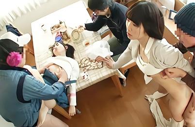 【企画】時間を止める能力を持つ中年オヤジが幸せな家庭に不法侵入!母親と幼い娘のマンコに種付けする、寝取られ(NTR)中出しレ○プ!!