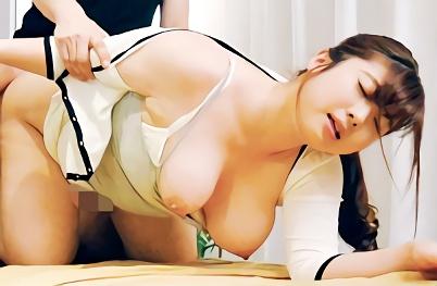 【中村知恵】むっちり豊満巨乳エステティシャンが自慢のおっぱいを押し付けて誘惑!裏オプをお願いしてそのまま本番する激ピストンセックス!!