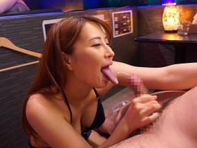 特別指名料が必要なS級ピンサロ嬢の乳首責め手コキ抜きサービス。